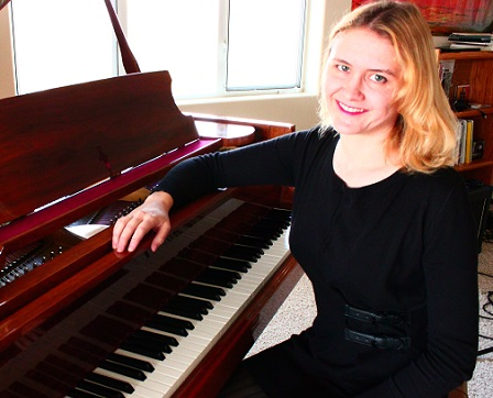 Kelli Edington (piano)