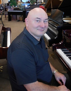 Gregory Pajak (piano)