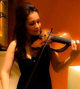 Faride Acosta (violin, piano)